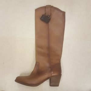 New Frye Jackie boots